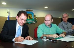 Vereador Elpídio Nogueira assume o cargo que antes era exercido por Salmito Filho, atual presidente da CMFor - Foto: Queiroz Neto